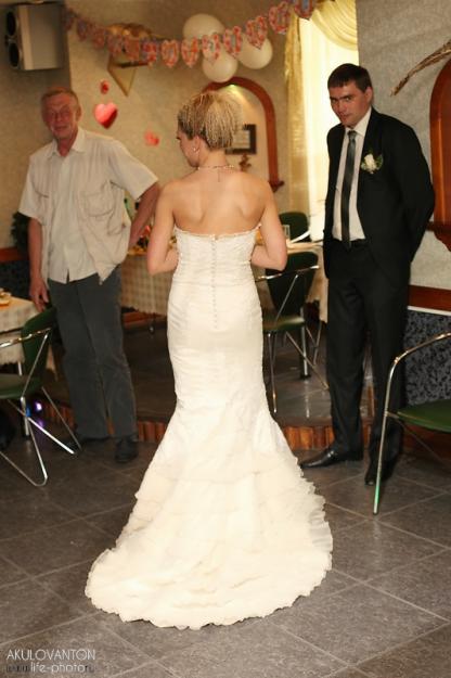 прическа невесты под платье рыбка