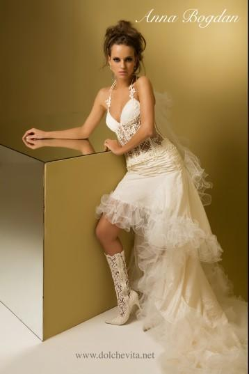 Каталог свадебных платьев коротких спереди фото