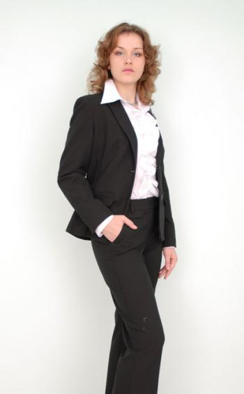a49b2da0dc2 Модные женские деловые костюмы  брючные костюмы. Выбираем женский деловой  костюм. Как выбрать стильный женский костюм  модный деловой костюм