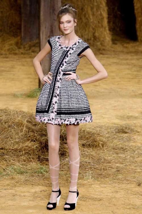 Мода от Коко Шанель. История Коко. Советы великой женщины. Браслет в стиле  Chanel своими руками. что такое мода  80240892376
