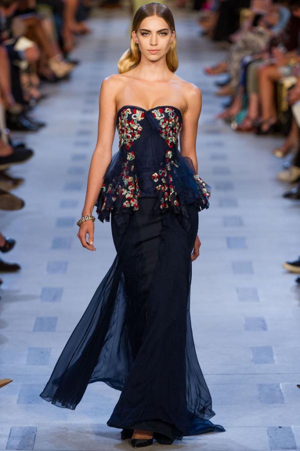 1ea070d1000 ... носки и подбора украшений. Как можно задекорировать вечернее платье  модные  вечерние платья. Просмотр · Видео. Тип  Модные вечерние платья. Назад Вперёд