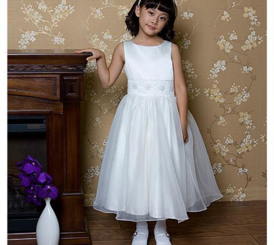 524bd0dea35 Какое платье выбрать на новодний утренник девочке  Советы по по ...
