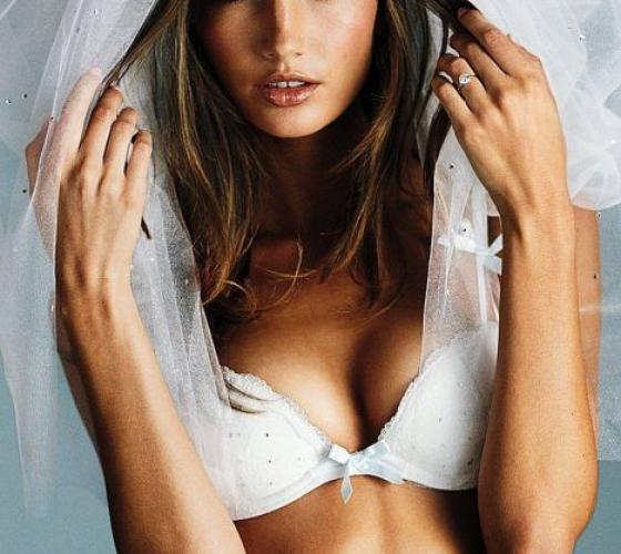 Victoria Secret  нижнее белье свадебное. Сочетание скромности ... e62e7af5219