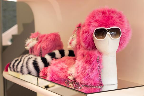 Модные солнцезащитные очки Prada 2012.