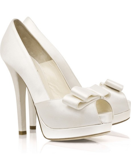 9f1f00a3d Свадебная обувь для невесты: туфли без каблука фото. Выбираем туфли под  свадебное платье. Выбираем туфли для невест