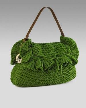 07a41fa3e721 Размер сумки практически не ограничен ничем. Это могут быть как совсем  небольшие элегантные сумочки для прогулки по городу, так и большие  вместительные ...