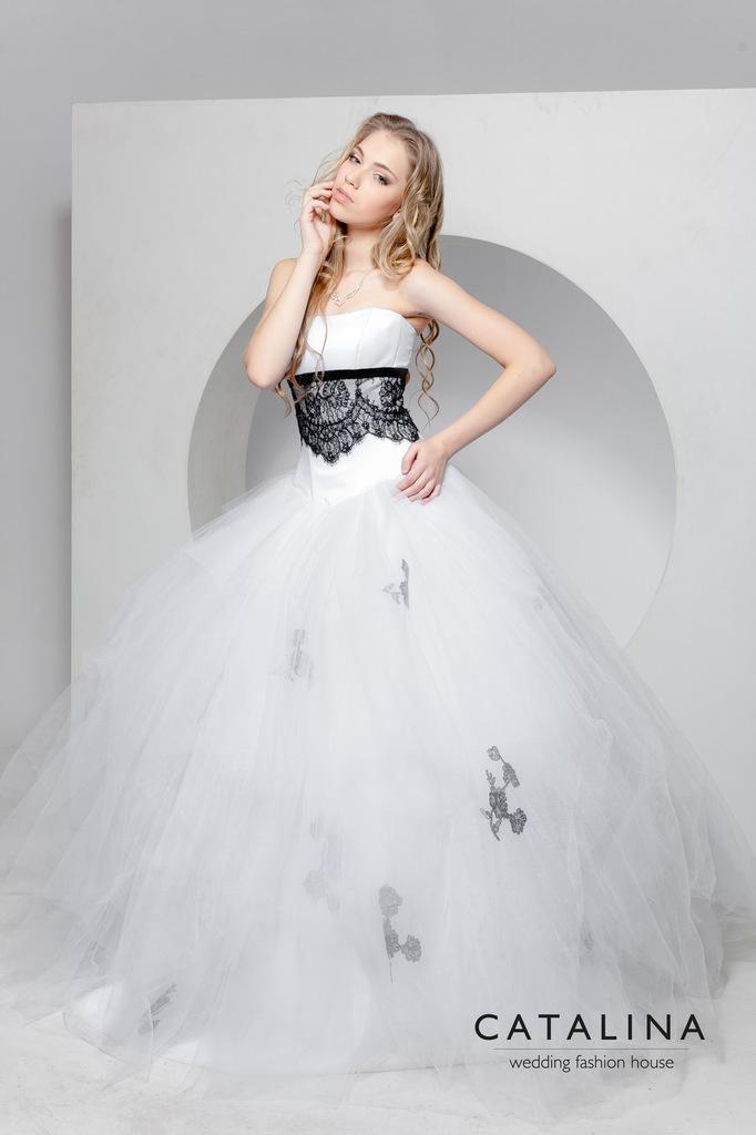 Является главной деталью платья