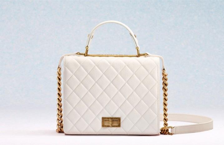 3cbe7c8c212c И в наши дни сумки Шанель пользуются огромным спросом, о чем  свидетельствует неуклонно растущее количество подделок. Сегодня оригинал Шанель  сумки стоит от ...